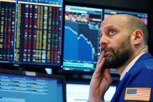 Chứng khoán Mỹ chìm trong sắc đỏ ngay phiên đầu tuần, Dow Jones mất gần 200 điểm
