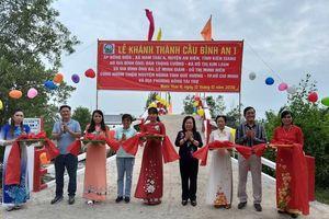 Khánh thành cầu bê-tông, tặng quà tại Kiên Giang, Đồng Tháp