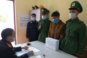 Lợi dụng trời sương mù để vượt biên mang ma túy vào Việt Nam