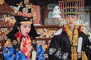 'Thái Tử Phi Thăng Chức Ký' nổi tiếng ở Trung Quốc nhưng lại bị yêu cầu ngừng chiếu ở Hàn