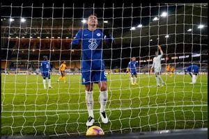 Vòng 13 Ngoại hạng Anh: Wolves ngược dòng hạ gục Chelsea ở phút 90+5