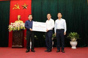 EVNNPT trao tặng 100 máy tính cho các trường học tại Quảng Ngãi