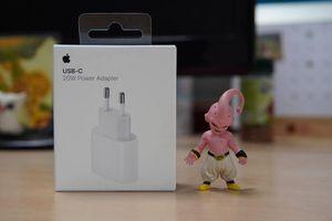 Sạc nhanh 20 W của Apple bất ngờ 'cháy hàng'