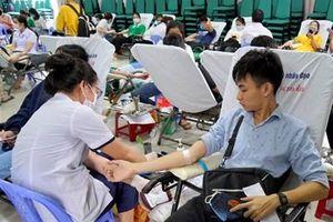 Hơn 600 giảng viên, sinh viên Đại học Đông Á hiến máu tình nguyện