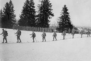 Ảnh cuộc chiến ác liệt trên vùng núi hiểm trở trong Thế chiến 1