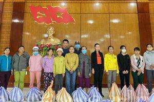 KITA Land trao 500 phần quà cho người dân vùng lũ miền Trung