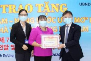 Bình Dương: Doanh nghiệp Hàn Quốc, Đài Loan trao học bổng và nhà tình thương