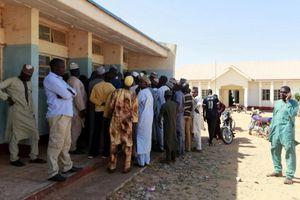 Giải cứu 344 học sinh Nigeria bị Boko Haram bắt cóc