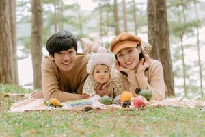 Quang Tuấn - Linh Phi tận hưởng kỳ nghỉ bên con gái