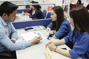 Tìm hướng đi cho thị trường lao động