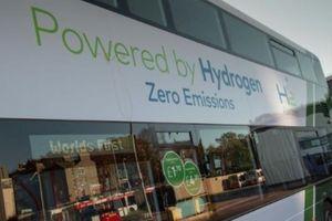 Hydro xanh 'giải cứu' vấn nạn ô nhiễm môi trường