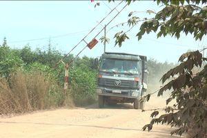 Đồng Nai: Đường liên phường xuống cấp vì xe trọng tải lớn 'quần thảo'
