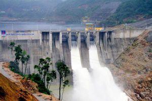 Hơn 20 nhà máy thủy điện ở Nghệ An không thể cắt lũ