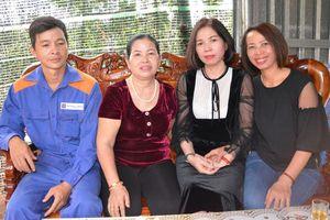 Gia đình bệnh nhân đến tri ân người mẹ hiến tạng con