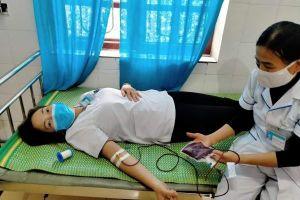 Điều dưỡng hiến máu cứu sống thai phụ
