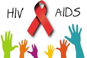 Phải báo việc nhiễm HIV cho người 'đầu ấp tay gối'