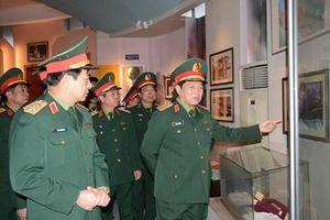Đại tướng Ngô Xuân Lịch thăm và làm việc tại Binh chủng Đặc công