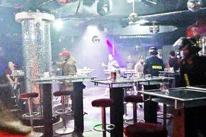 'Đột kích' quán bar ở Đà Lạt, phát hiện nhiều dân chơi dương tính ma túy