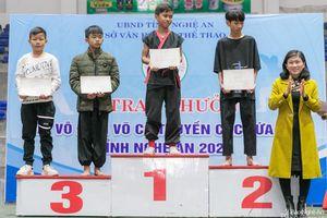 112 giải được trao cho các vận động viên Nghệ An tại Giải Vô địch Võ cổ truyền các lứa tuổi