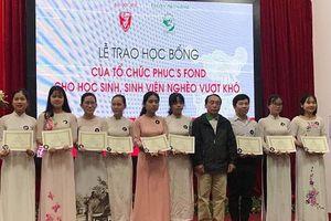 Thừa Thiên Huế: Quỹ Phuc's Fond trao hơn 100 suất học bổng cho học sinh, sinh viên nghèo hiếu học