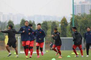 Hậu vệ Dụng Quang Nho: 'Cố gắng giành 1 trận thắng trước đội tuyển Quốc gia'