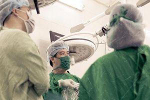Thực hư 'đụng dao kéo' làm tế bào ung thư lan nhanh hơn