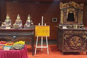 Hiến tặng hiện vật, tài liệu cho Bảo tàng Hà Nội: Kể chuyện văn hóa, lịch sử Thủ đô
