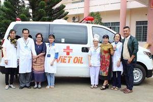 Hơn 1 tỷ 200 triệu đồng tặng Trung tâm Y tế huyện Lắk