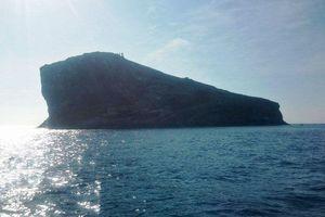 Tìm kiếm hai nhân viên trạm hải đăng mất tích trên biển