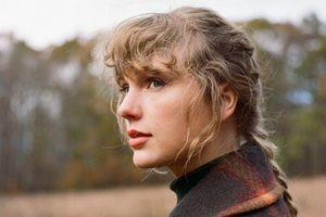 Loạt kỉ lục mới được thiết lập bởi 'evermore' của Taylor Swift khiến nghệ sĩ khác ghen tị