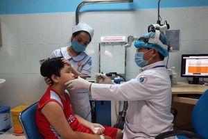 Căn bệnh khiến bé trai mỗi lần chảy máu mũi hơn 30 phút