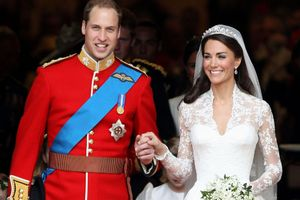 Người thêu váy cưới cho Công nương Kate đứng ở bờ vực vô gia cư