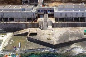 Hoàn cảnh hai nhân viên hải đăng bị sóng cuốn mất tích