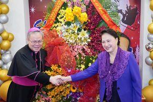 Chủ tịch Quốc hội Nguyễn Thị Kim Ngân thăm Tòa Tổng Giám mục Huế