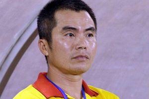 HLV Phạm Minh Đức dạy học trò đá đẹp được đề cử giải Fair-play