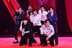 Nhiều ngôi sao K-Pop nhiễm Covid-19: Sự bạc bẽo của showbiz Hàn!