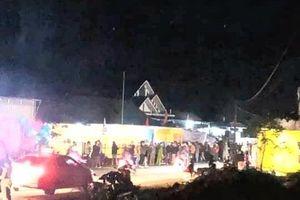 Tai nạn giao thông chiều 22/12: Xe máy đâm bay rào chắn đám tang, 1 người chết tại chỗ