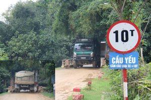 Huyện Đức Thọ (tỉnh Hà Tĩnh): Dàn xe có dấu hiệu quá tải ngày ngày 'dắt' nhau qua cây cầu yếu