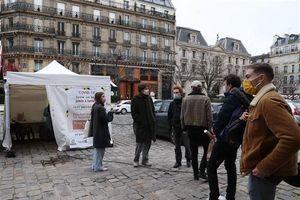 Tình hình dịch bệnh COVID-19 tại Pháp vượt khỏi tầm kiểm soát