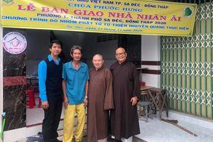 Đồng Tháp : Chùa Phước Hưng, nhóm từ thiện bàn giao nhà nhân ái