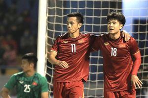 Toàn cảnh Văn Quyết ghi bàn trong ngày trở lại giúp ĐT Việt Nam thắng nhọc U22 Việt Nam