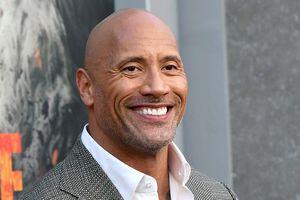 The Rock làm gì với khối tài sản 320 triệu USD?