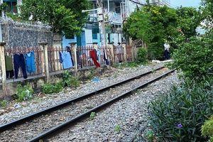 Tai nạn giao thông mới nhất hôm nay 24/12: Bị tàu hỏa cán tử vong khi phơi quần áo cạnh đường ray