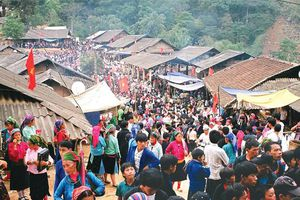 Chợ tình Khau Vai ở tỉnh nào, bán hàng gì?