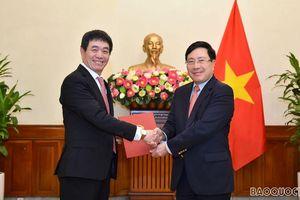 Phó Thủ tướng Phạm Bình Minh trao quyết định bổ nhiệm Đại sứ, Đại diện Thường trực Việt Nam tại ASEAN
