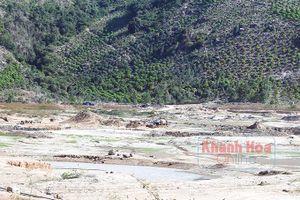 Cam Lâm: Xử lý dứt điểm tình trạng khai thác cát trái phép ở hồ Suối Dầu