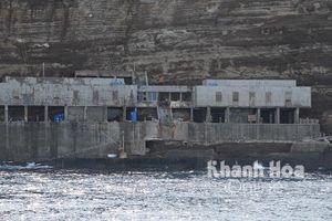 Trao hỗ trợ cho gia đình bị nạn ở hải đăng Hòn Hải