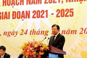 Khẩn trương hoàn tất công tác chuẩn bị các dự án giao thông lớn trong năm 2021
