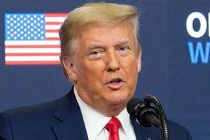 Trump từ chối nhượng bộ gây bối rối cho nhân viên Nhà Trắng