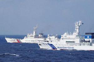 Hai tàu Hải cảnh Trung Quốc 'lùa' tàu Nhật ở đảo tranh chấp